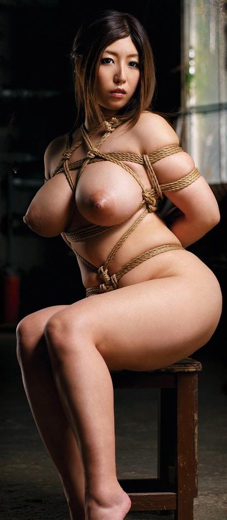 裸で縛られた女の子が美しくエロい (9)
