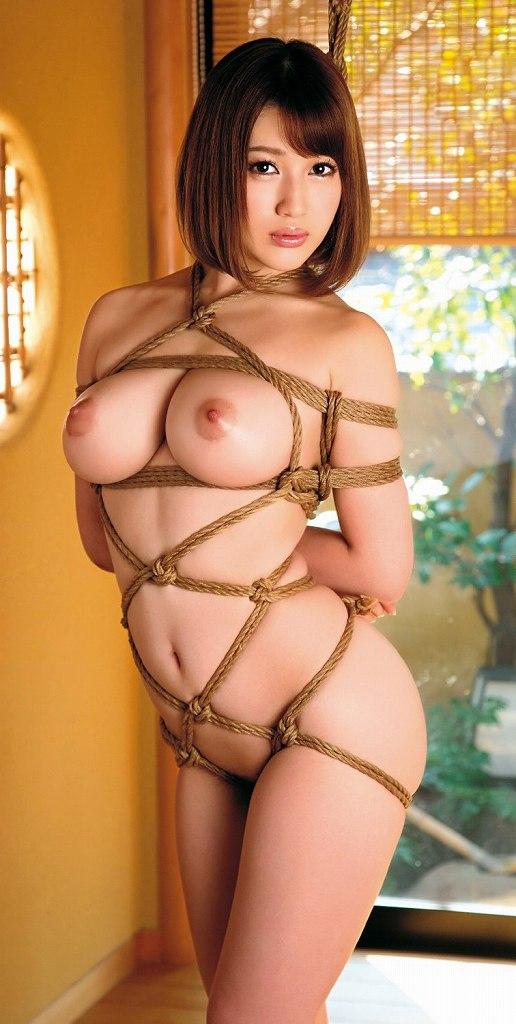 裸で縛られた女の子が美しくエロい (15)