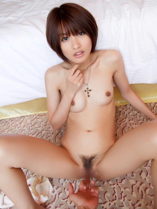 膣内を指で刺激しちゃう手マン (8)
