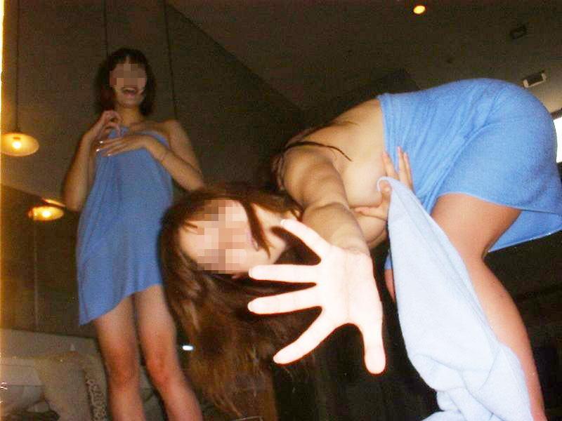 女友達がエロい写真を撮り合ってる (10)