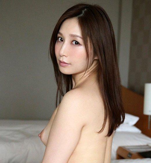 美人な人妻が性欲全開でSEXしちゃった、佐々木あき (1)
