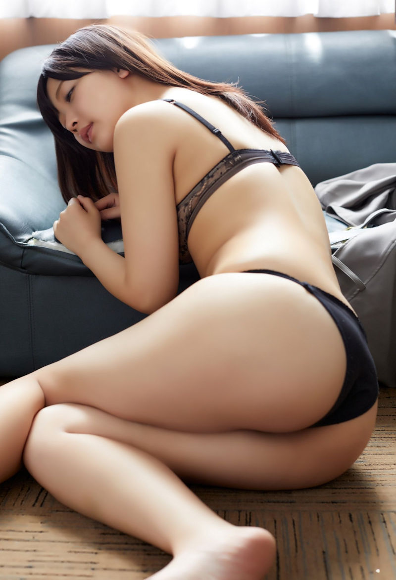 エッチな下着姿の美女たち (19)