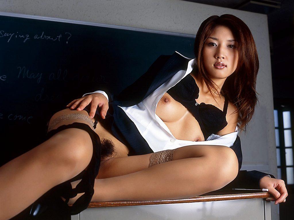 セクシーで淫乱な先生に責められたい (12)