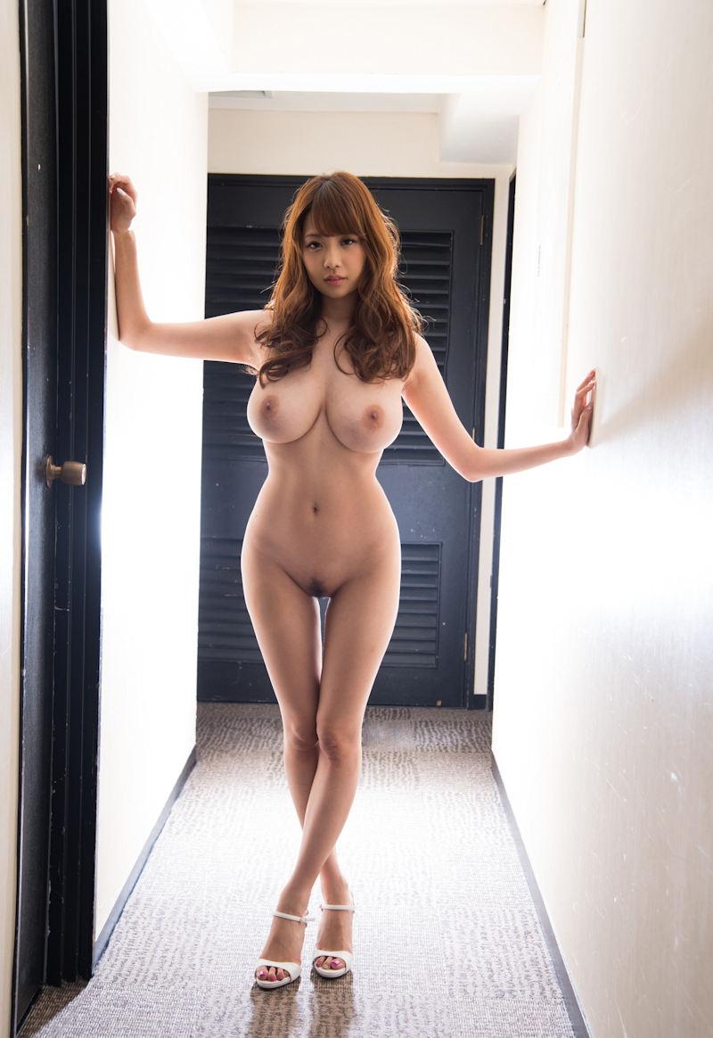 最上級の美巨乳を持つ可愛い女の子 (8)