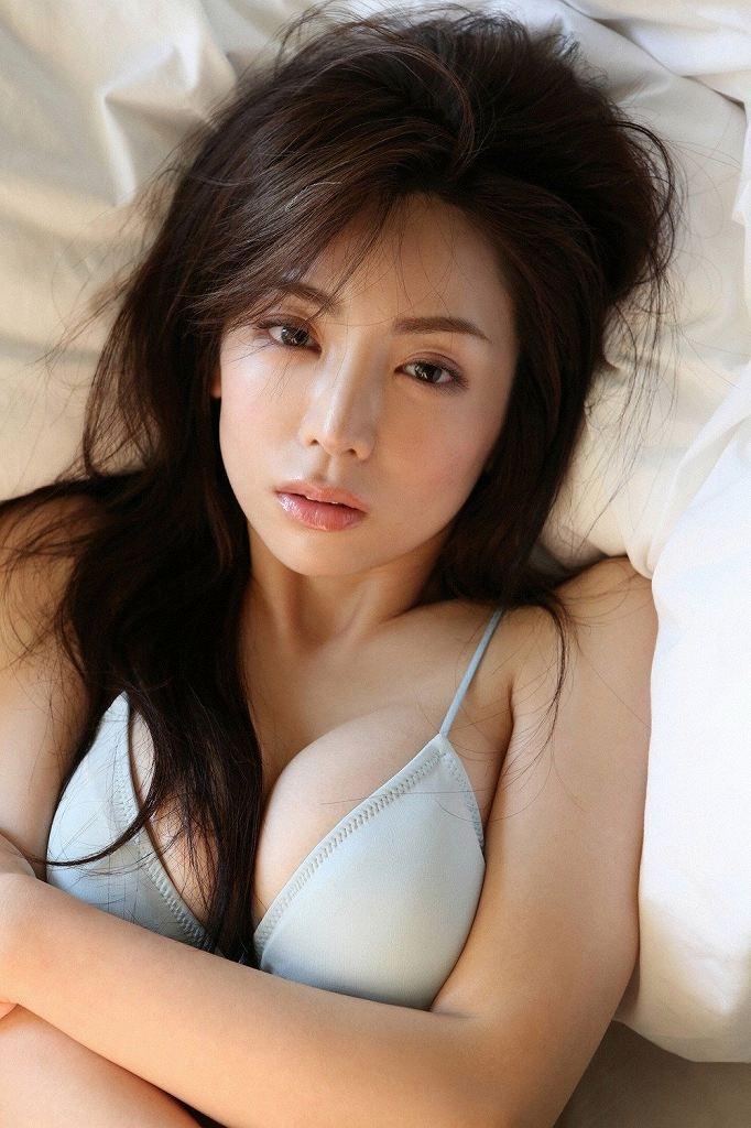美しい乳房の美しい美女たち (17)