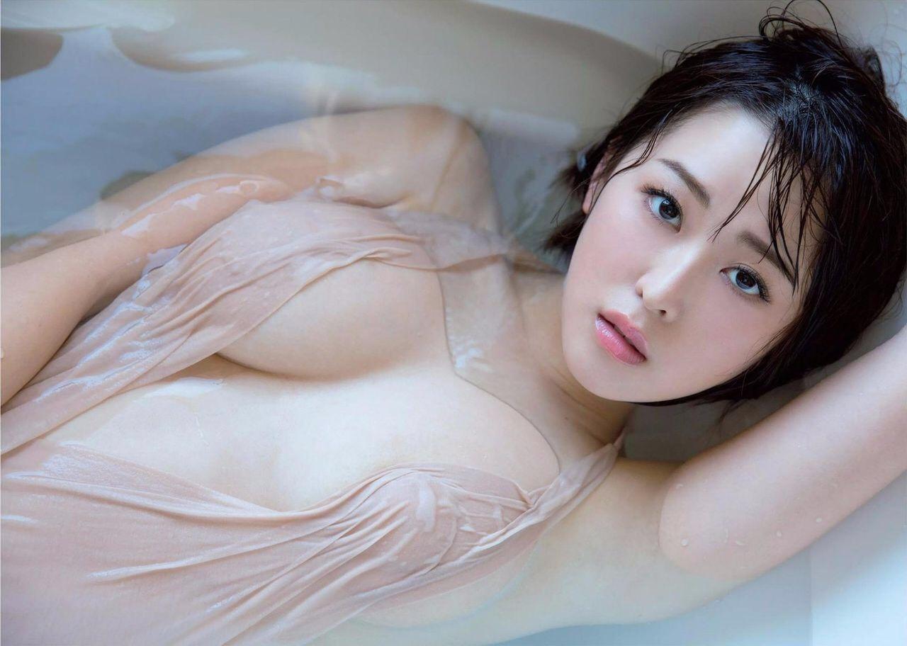 美しい乳房の美しい美女たち (12)