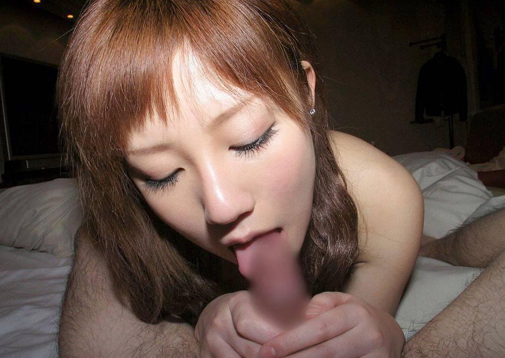 キュートな女性がチンチンを舐めまくる (14)