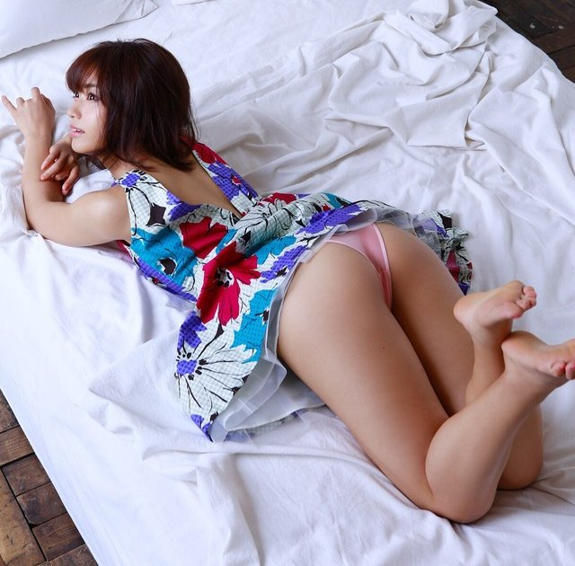 女優やグラドルなど芸能人の美しい脚 (8)