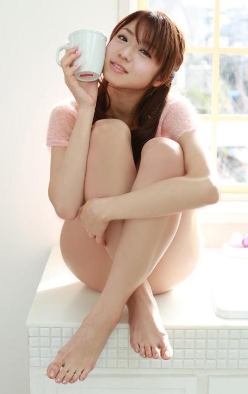 女優やグラドルなど芸能人の美しい脚 (15)