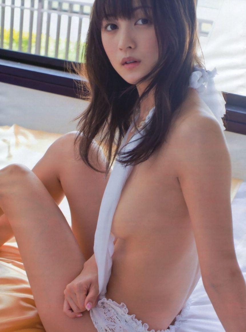 女優やグラドルなど芸能人の美しい脚 (18)