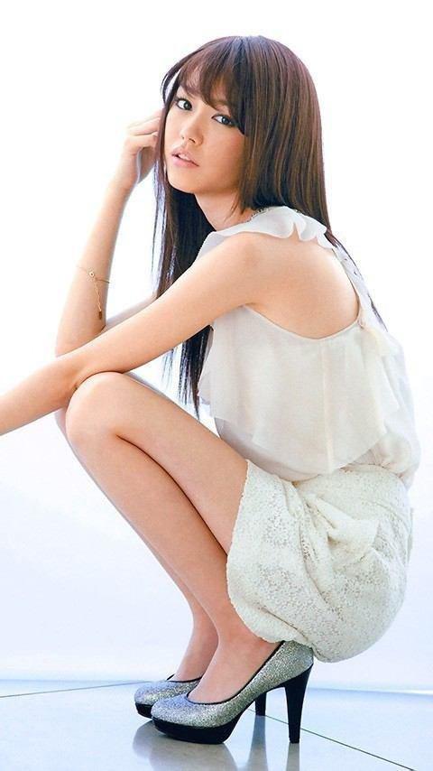 女優やグラドルなど芸能人の美しい脚 (12)