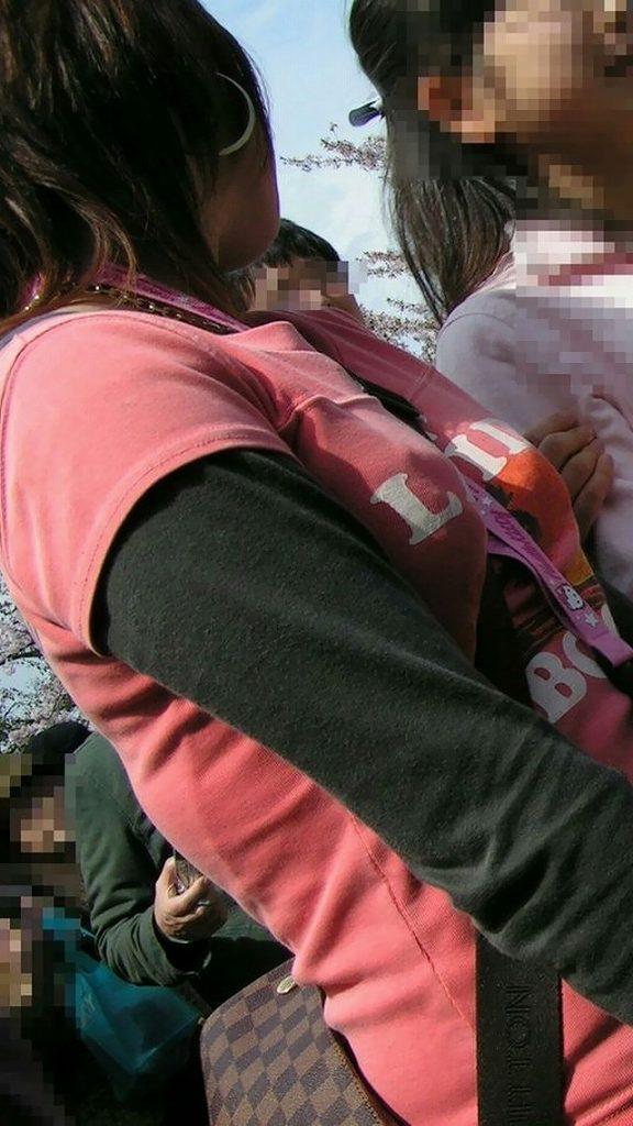 パイスラッシュ状態でオッパイが目立ってる女の子 (16)