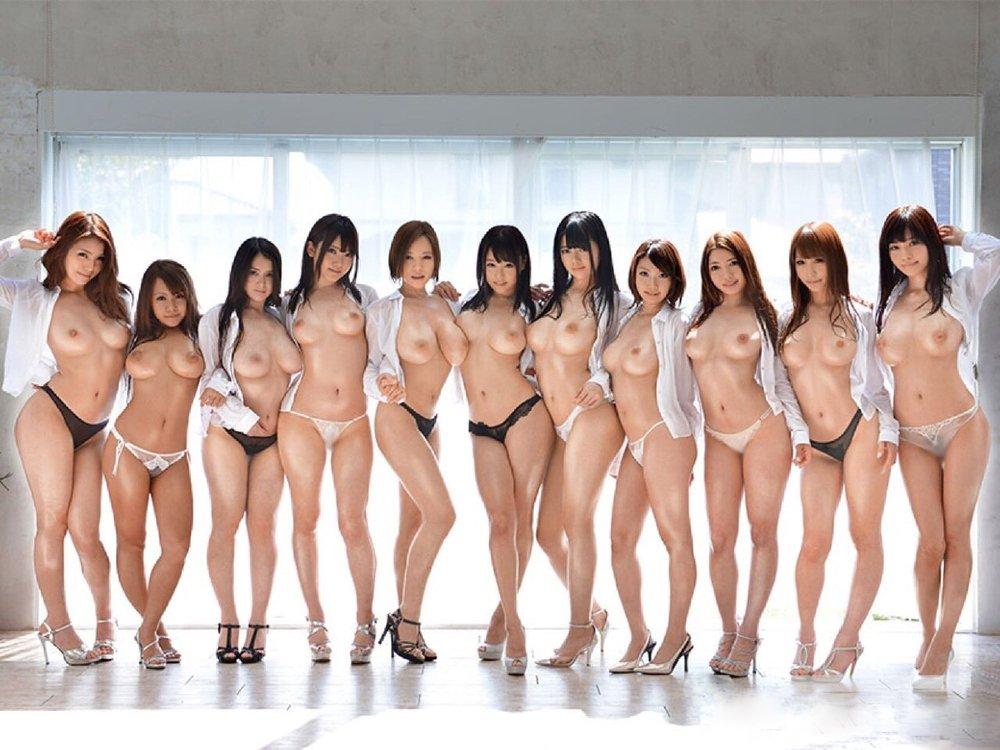 裸になった女の子がイッパイ (17)