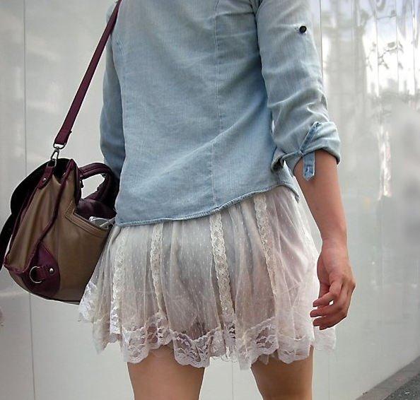下着が透けまくりな街撮り素人さん (8)
