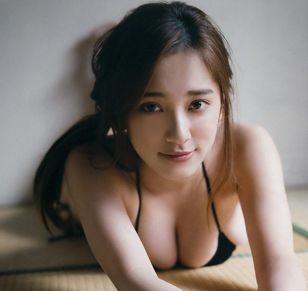 エッチなボディが素敵なアイドル、都丸紗也華 (17)