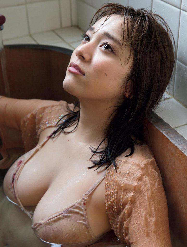エッチなボディが素敵なアイドル、都丸紗也華 (18)