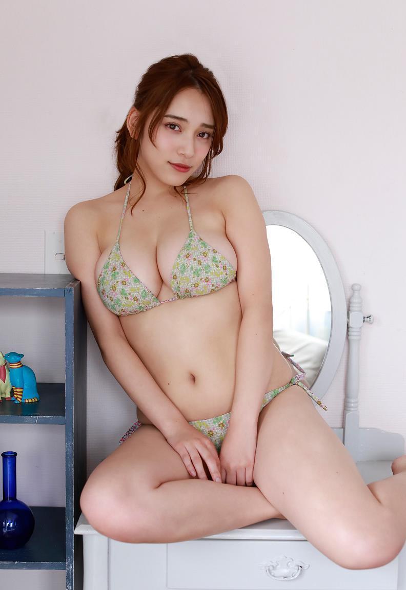 エッチなボディが素敵なアイドル、都丸紗也華 (5)