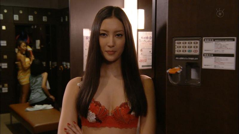 色っぽい下着姿を披露する女優やモデル (6)