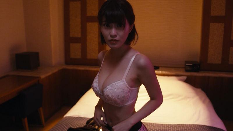 色っぽい下着姿を披露する女優やモデル (10)