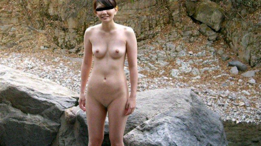 真っ裸で温泉に入る素人さん (8)