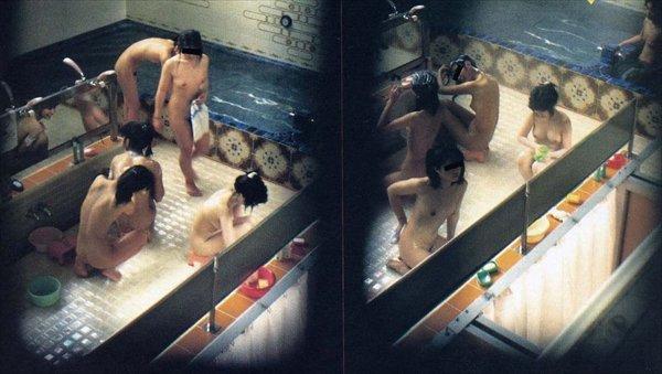 裸の女の子が一度に見られる女風呂 (10)