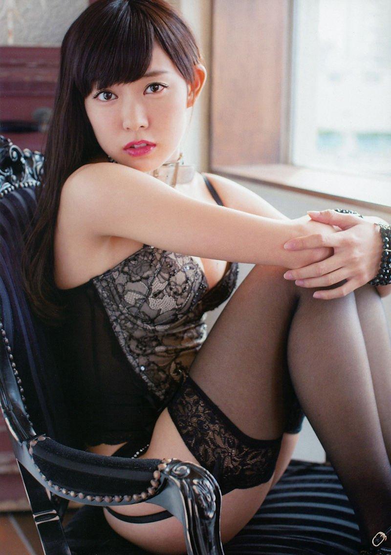 妖艶で色気のある黒ランジェリー (18)