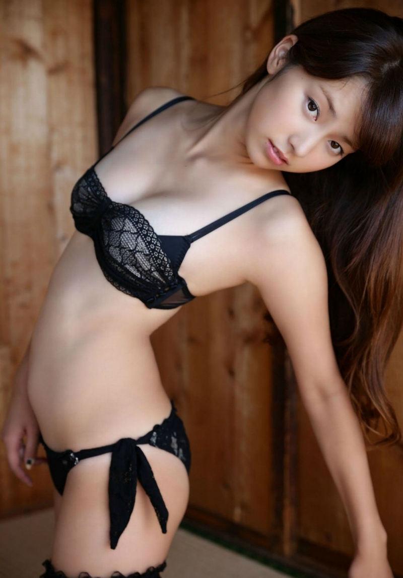 妖艶で色気のある黒ランジェリー (10)