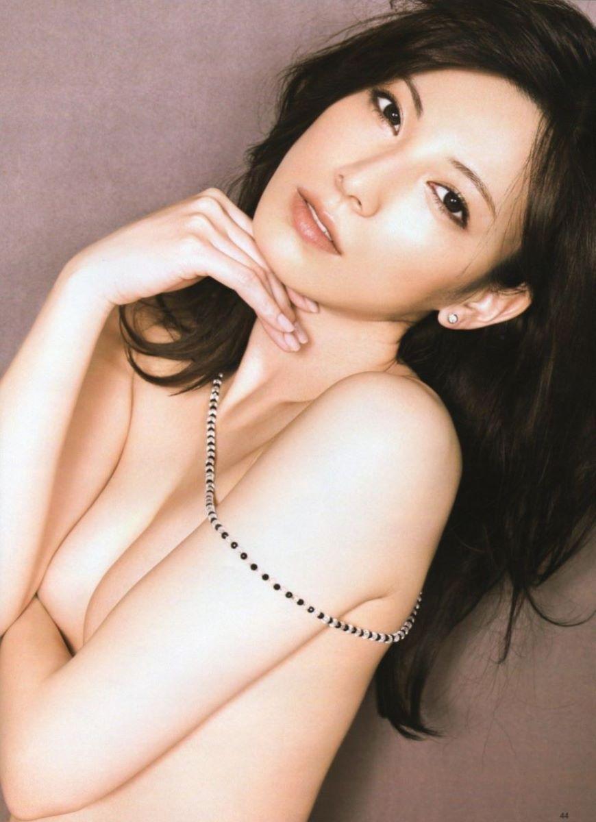 アイドルや女優の手ブラ (18)