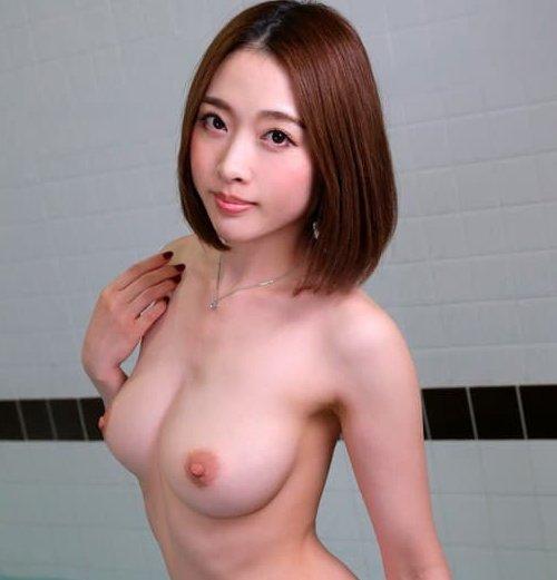 本田岬、お嬢様っぽい美乳お姉さんが濃厚な痴女セックスで生中出し