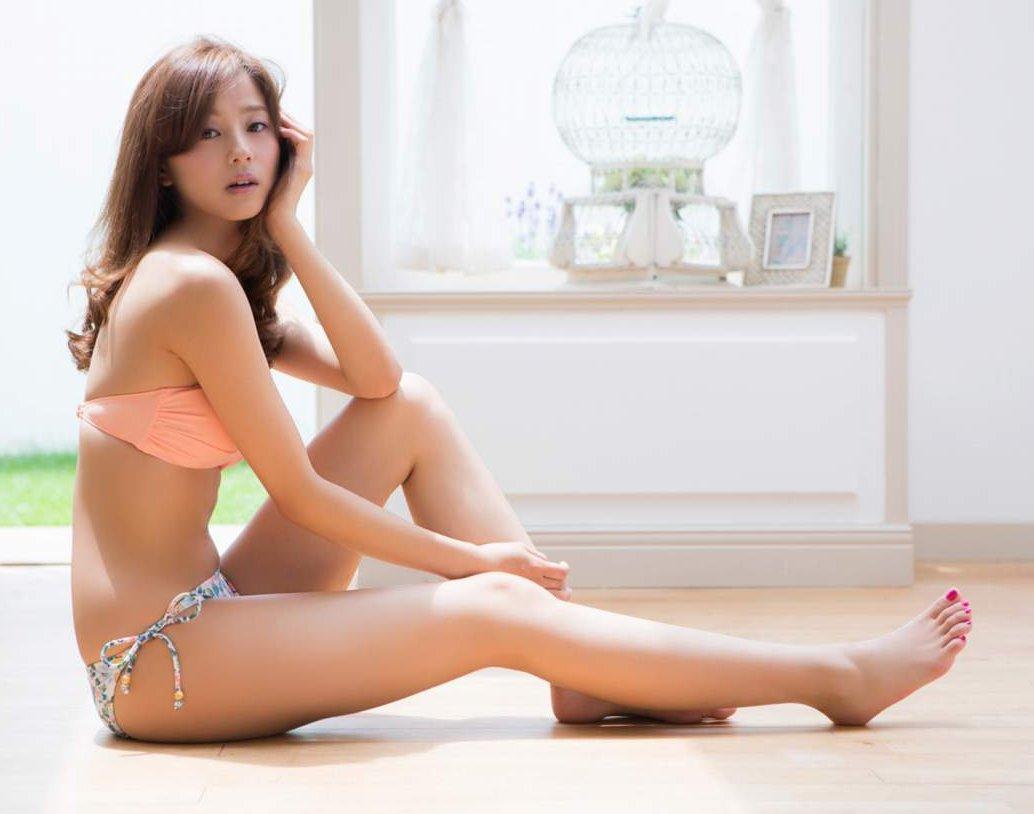 グラドルや女優の美脚を舐めたい (5)