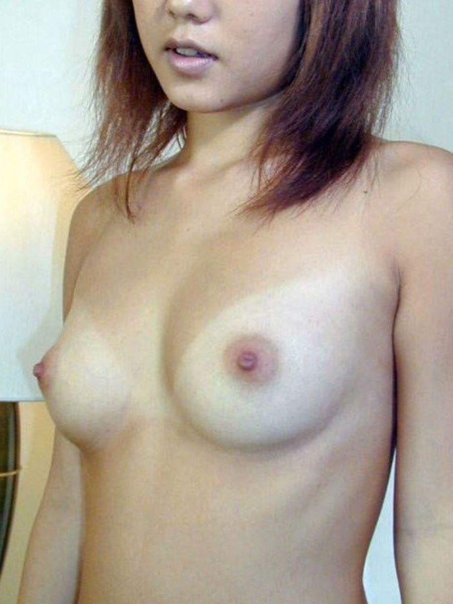 水着の跡もセクシーな裸のギャルたち (15)