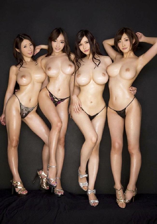 美乳が集合してる壮観な眺め (5)