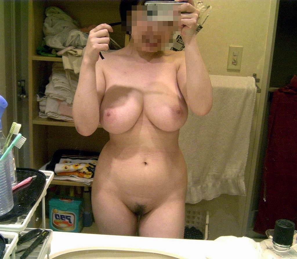 裸になって写メを撮る女の子 (19)