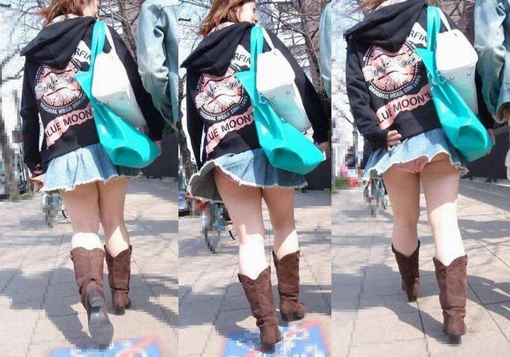 スカートが短すぎてパンツが見えまくり (12)