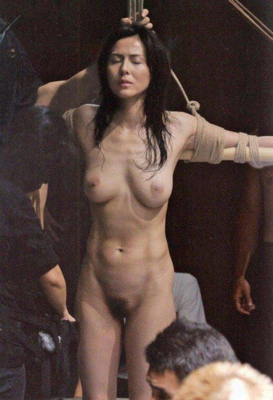 女優の乳首