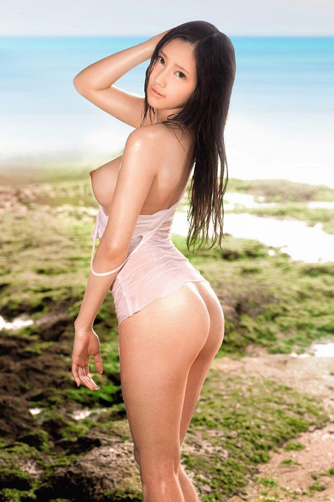 海辺で全裸になる女の子たち (13)