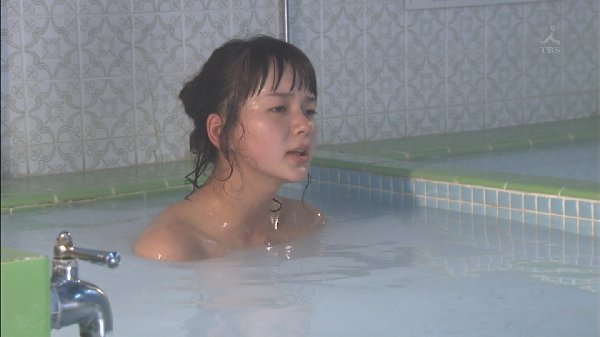 温泉に入る芸能人がセクシー過ぎる (15)