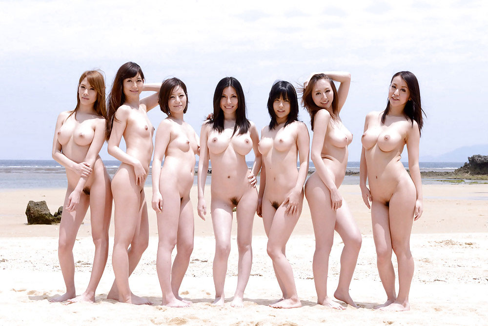 素っ裸の女の子の集合写真 (8)