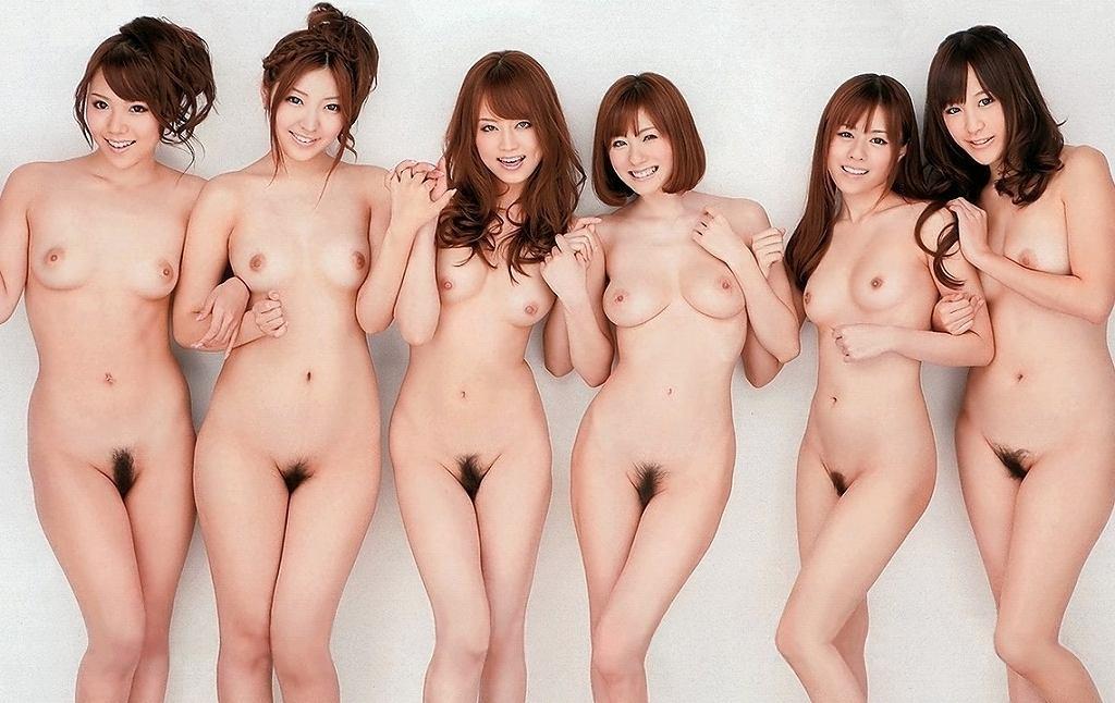 素っ裸の女の子の集合写真 (18)