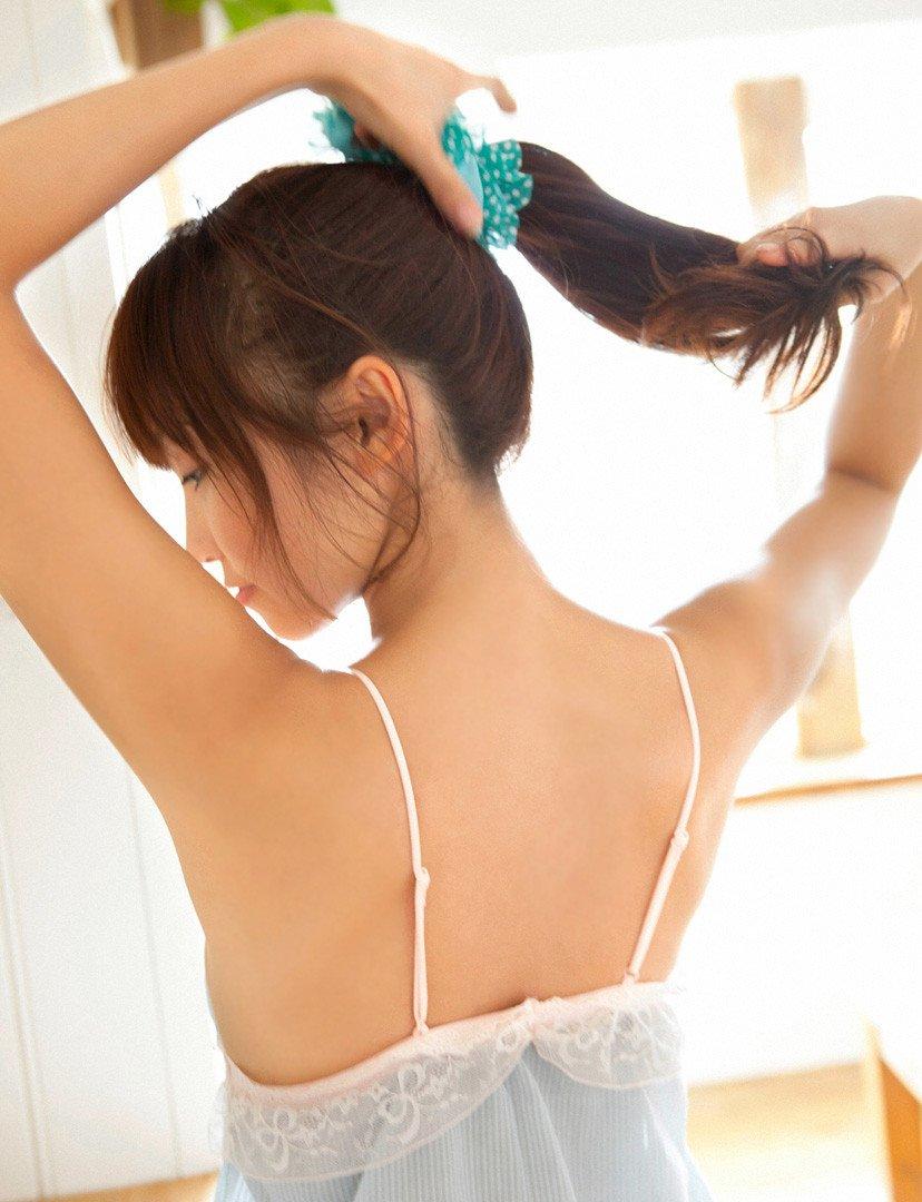 髪を結った姿もエロ可愛い女の子 (3)