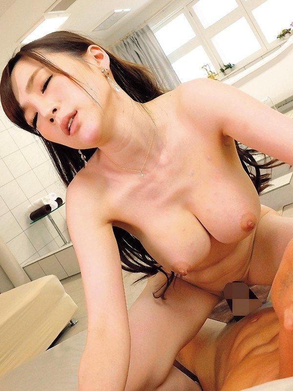 人気風俗嬢の豪快SEX、すみれ美香 (19)