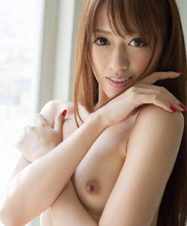 希島あいり、スレンダーな元モデルの美女が淫乱セックスで濃厚中出し
