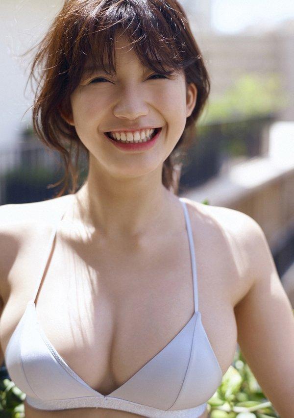 可愛い顔でエロボディの、小倉優香 (10)