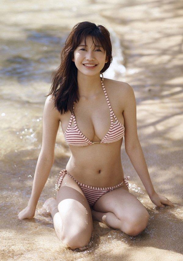 可愛い顔でエロボディの、小倉優香 (3)