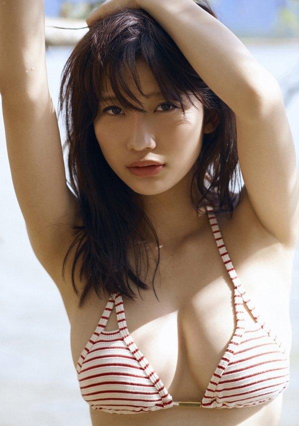 可愛い顔でエロボディの、小倉優香 (4)