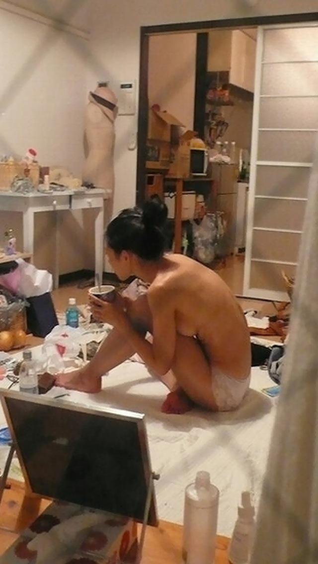 部屋や風呂場の中の全裸素人さん (18)