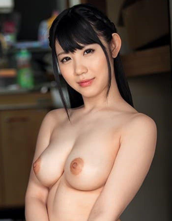 梨杏なつ、ムチムチ美巨乳の美少女が濃厚な中出しセックスで絶頂