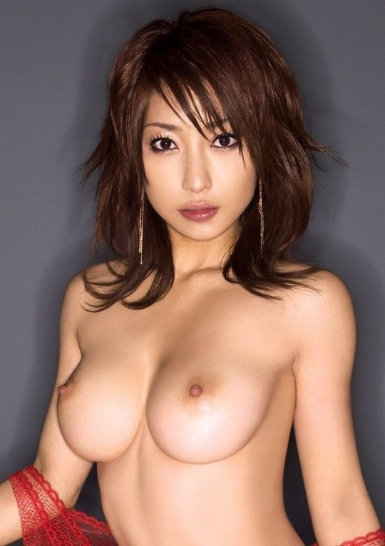 美しく大きな巨乳の可愛い女の子 (3)