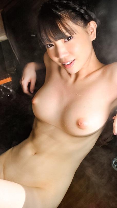 美しく大きな巨乳の可愛い女の子 (13)