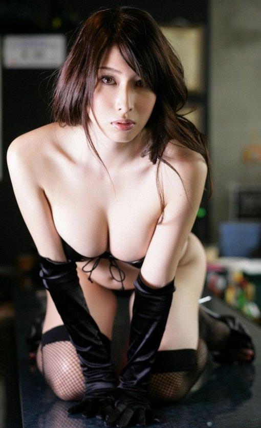 ナイスバディで美乳の美女、小林恵美 (16)